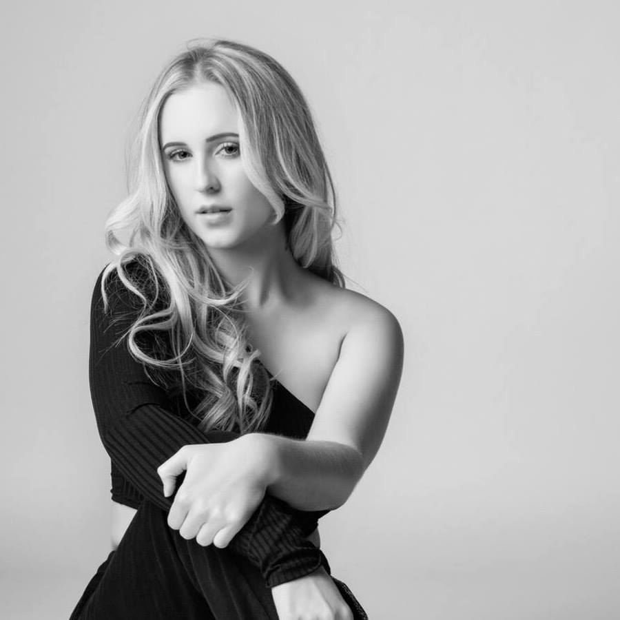 True Brit! talks to singer songwriter Holly Fallon!